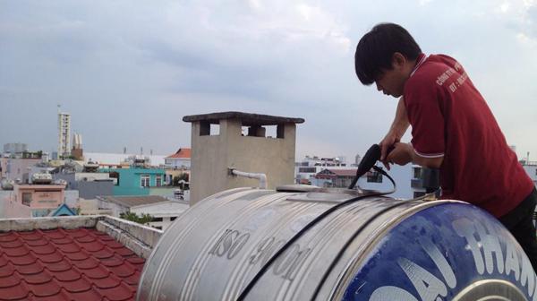 Làm thế nào để vệ sinh bồn nước inox đúng cách
