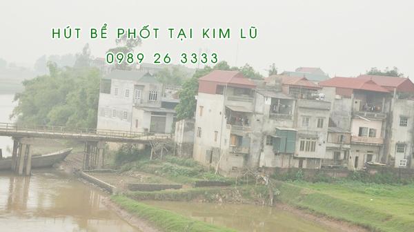 Hút bể phốt tại xã Kim Lũ