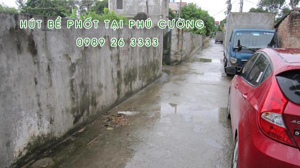 Hút bể phốt tại xã Phú Cường
