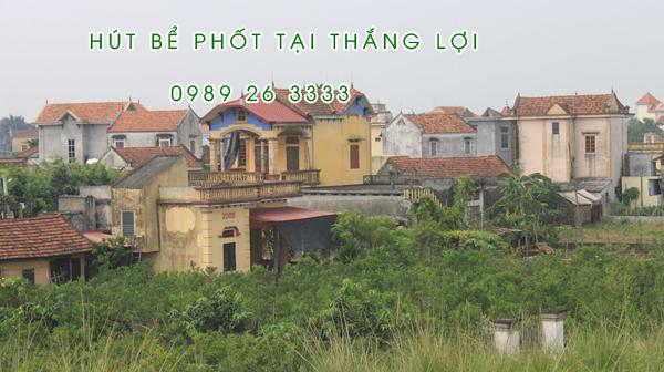 Hút bể phốt tại xã Thắng Lợi