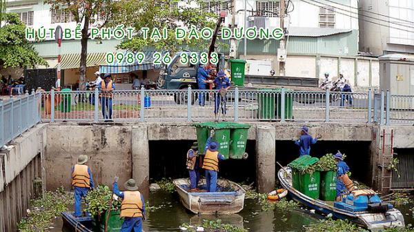 Hút bể phốt tại xã Đào Dương