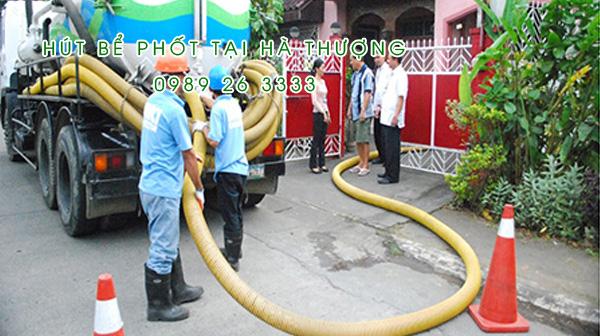 Hút bể phốt tại xã Hà Thượng