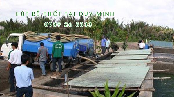 Hút bể phốt tại xã Duy Minh