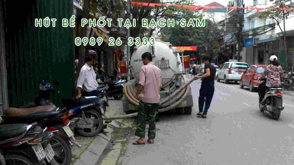 Hút bể phốt tại xã Bạch Sam